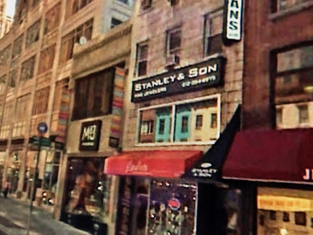 Rona was born into the Family Jewelry Business located in New York City.